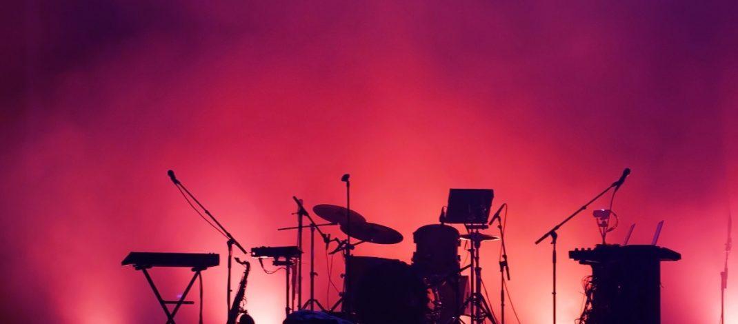 Sos per il live: appello di centinaia di artisti e operatori della musica